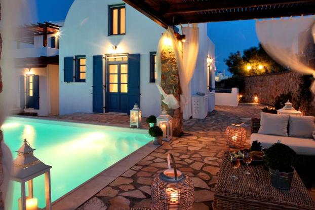 Mikaela Villa In Santorini 22