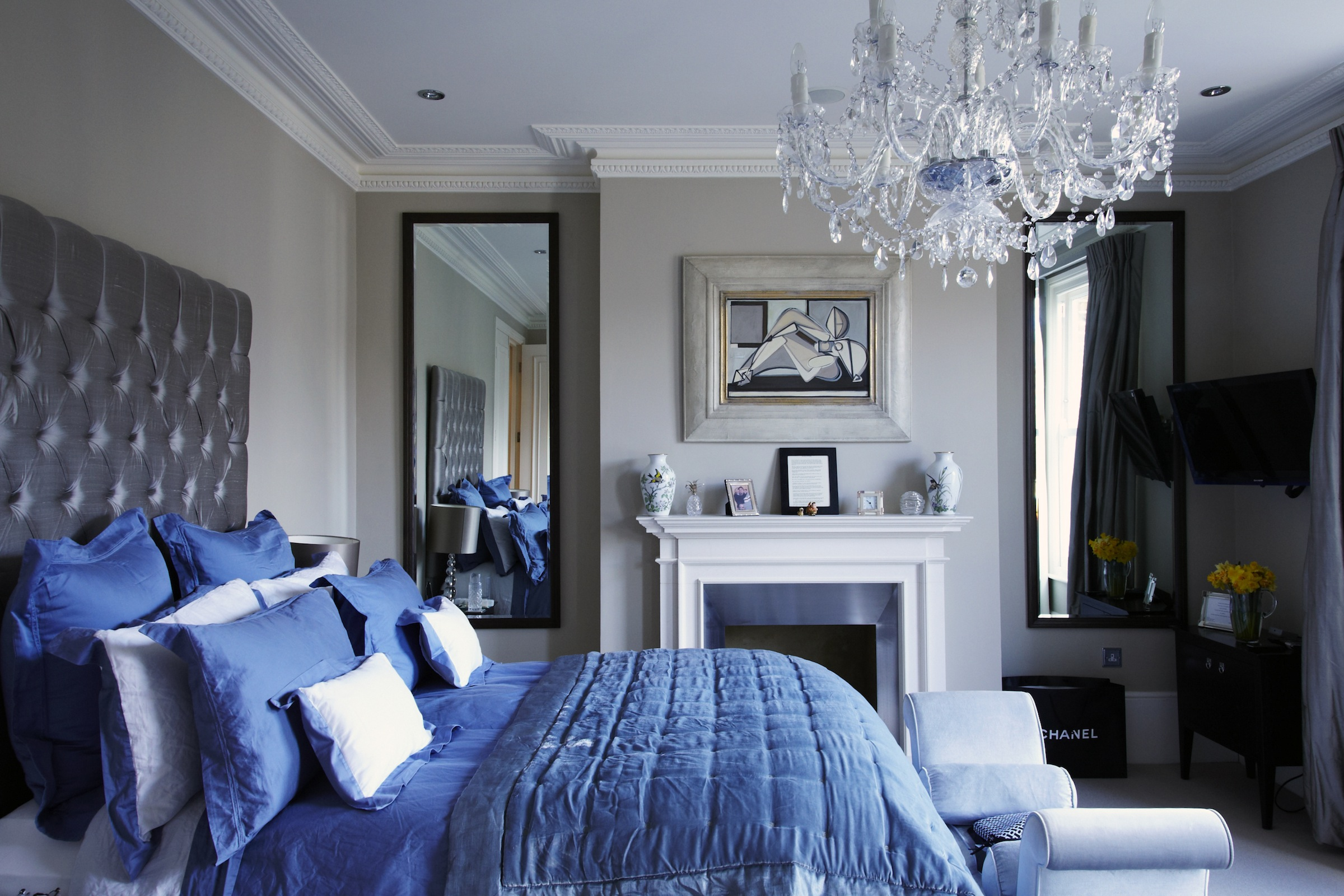 Victorian chic house with a modern twist decoholic for Bedroom designs uk