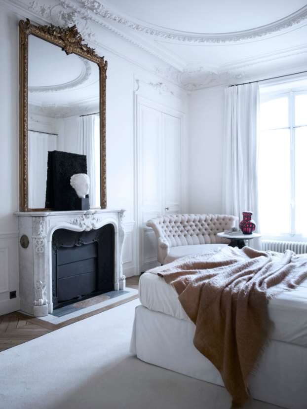 Historic Parisian Apartment with Contemporary Art 14
