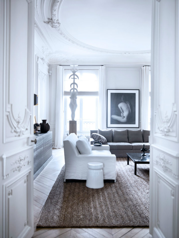 Historic Parisian Apartment with Contemporary Art 4