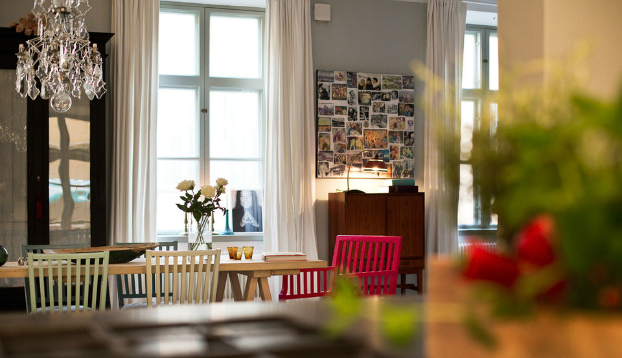 Scandinavian Interior Design With Colour Touches16