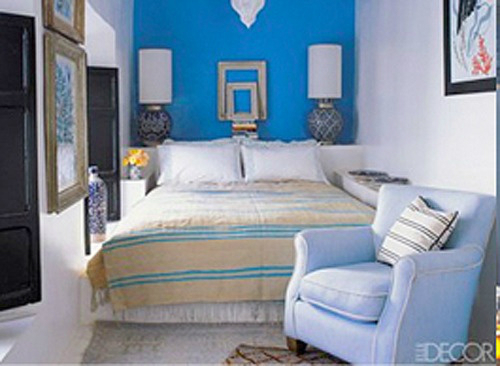 blue bedroom wall accent