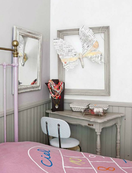girls room decorated with salvaged finds2