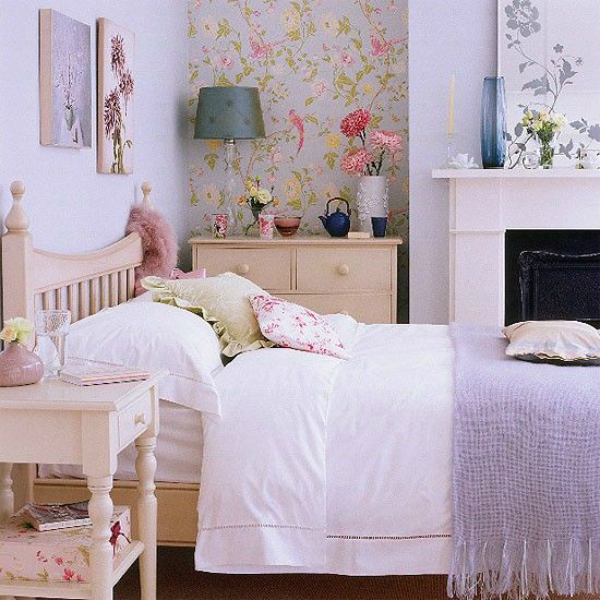 Awesome bedroom accent wall color and decorating ideas for Bedroom ideas lilac