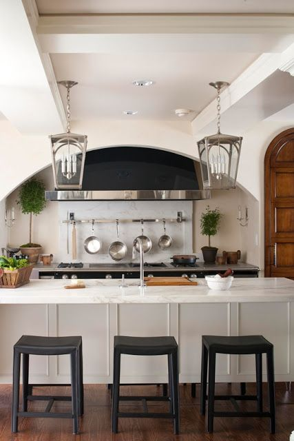 30 kitchen designs with popular trends decoholic for Modern classic kitchen design ideas