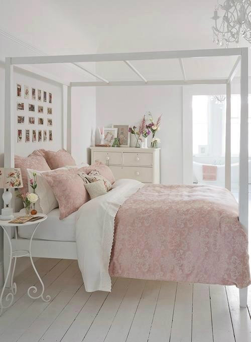 Vintage bedroom decor accessories and ideas shabby chic for Baby pink bedroom ideas