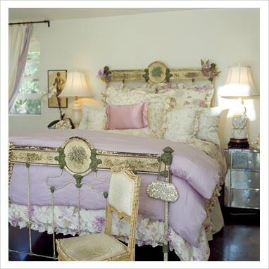 Shabby Chic Bedroom Decorating Ideas 19
