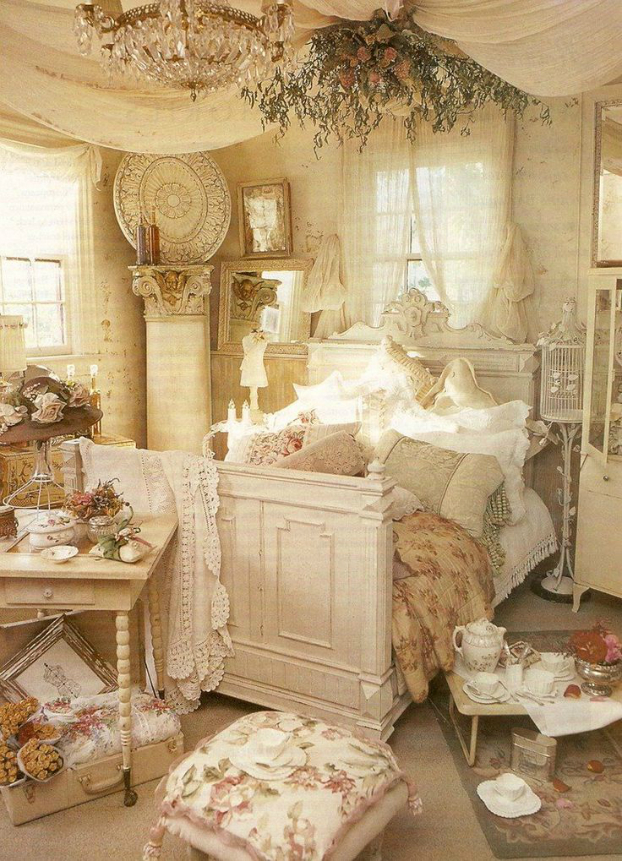 30 shabby chic bedroom decorating ideas decoholic for Photo shabby chic