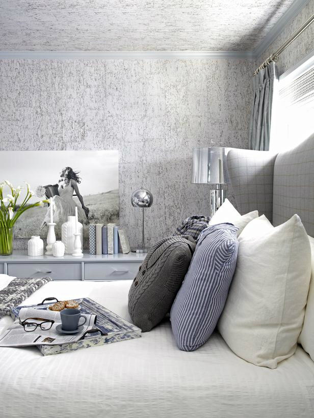 Sophisticated schic bedroom accent wall