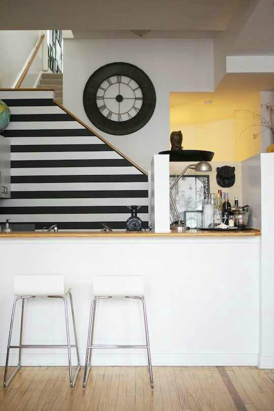 stripes Kitchen Backsplash Idea