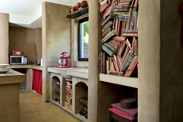 decorating ideas with books
