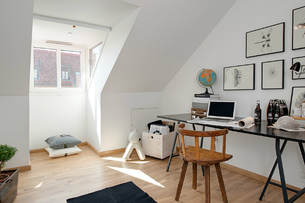 bright scandinavian attic 18