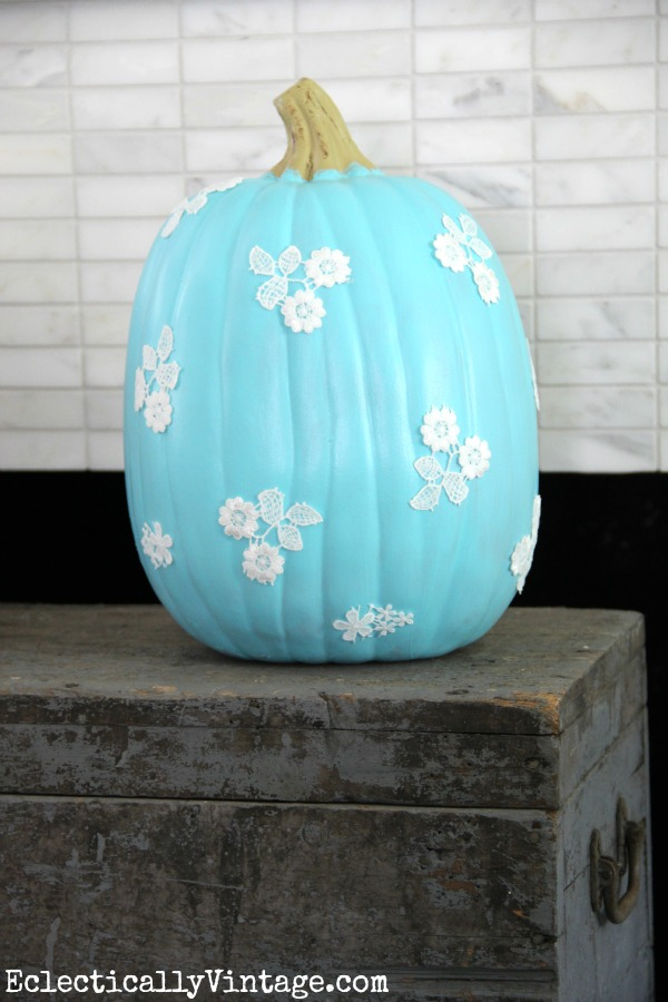 Decoupage lace pumpkin decorating idea