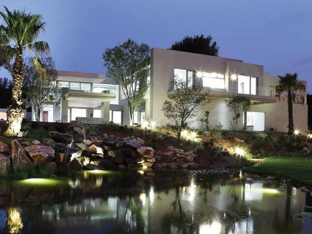 Luxurious Contemporary Dream Home Decoholic