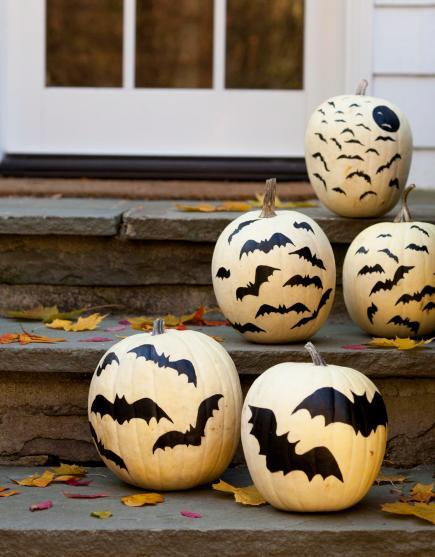 pumpkin decorating painted bats