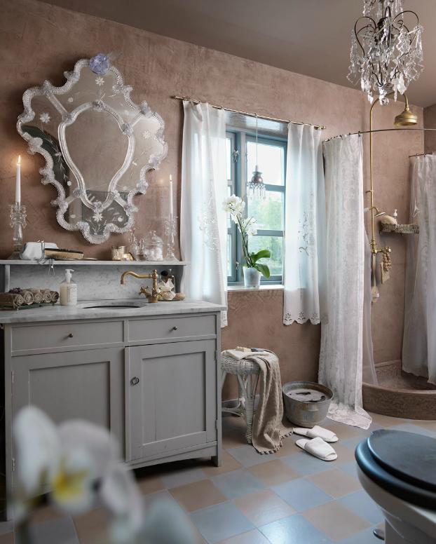unique romantic bathroom