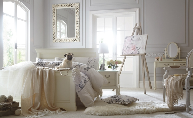 English garden inspired bedroom 18