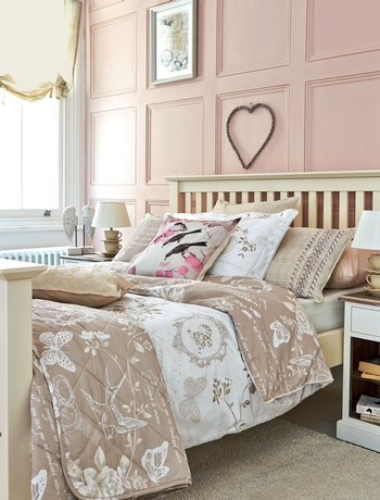 English garden inspired bedroom 19