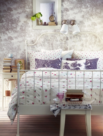 English garden inspired bedroom 21