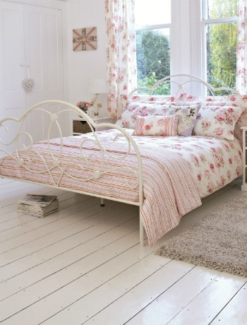 English garden inspired bedroom 24