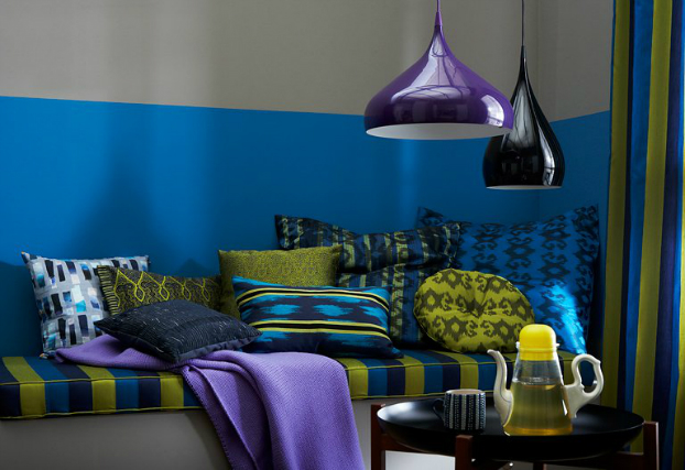 bold-blue-green-color-decor
