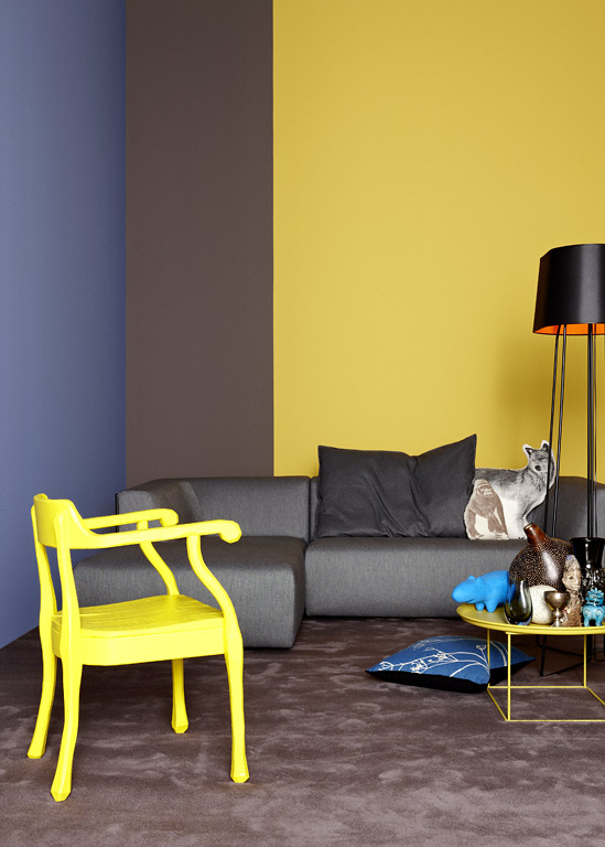 bold-blue-yellow-color-paint-room-decor