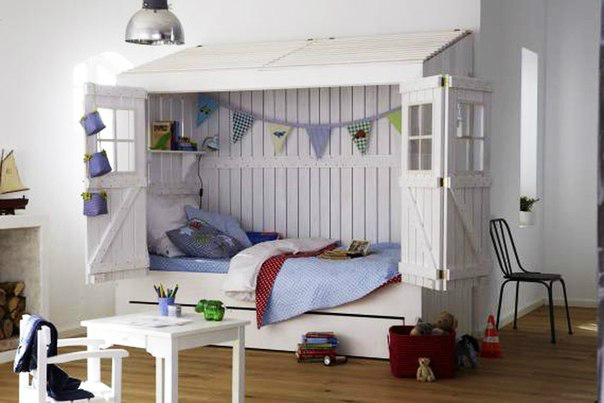 10 fabulous boys 39 house beds decoholic. Black Bedroom Furniture Sets. Home Design Ideas