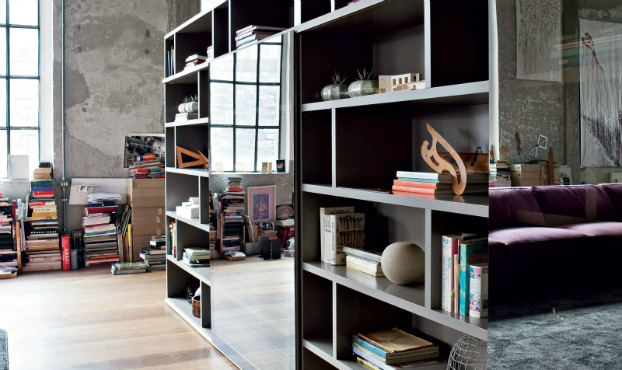 Industrial Italian Living Room Decorating Idea
