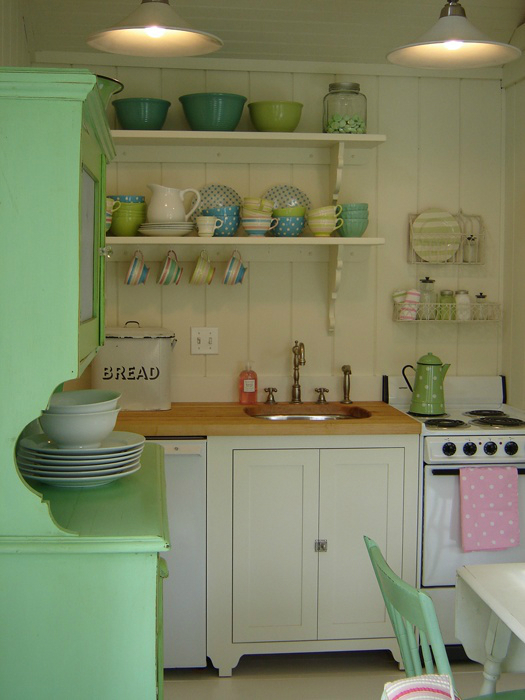 country kitchen design with little open shelves