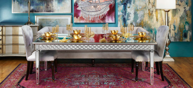 richly radiant dining room idea