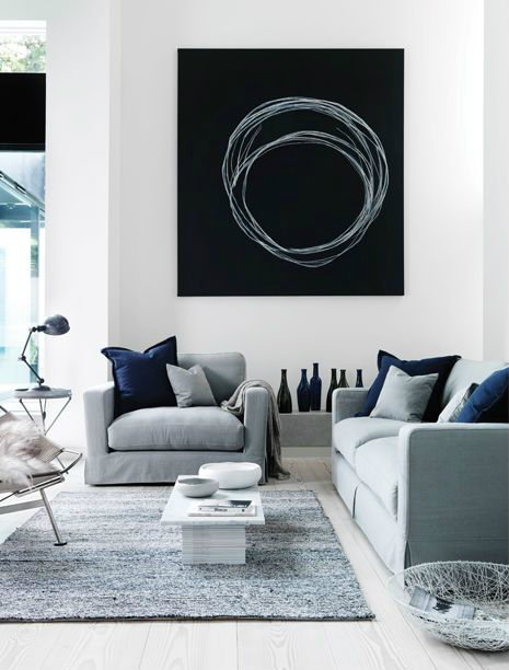 shades of blue in sofas and pillows
