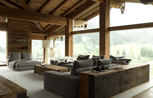 Contemporary chalet with rustic atmosphere decoholic for Modern rustic house designs