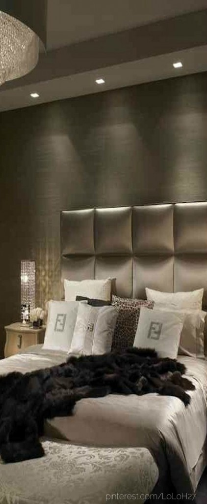 Dramatic Bedroom Ideas 14