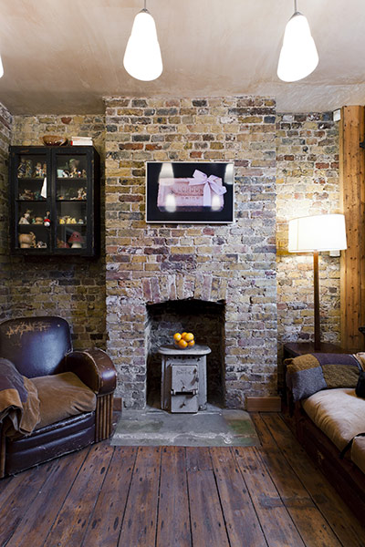 Georgian Yet Cozy House interior with brick walls 3