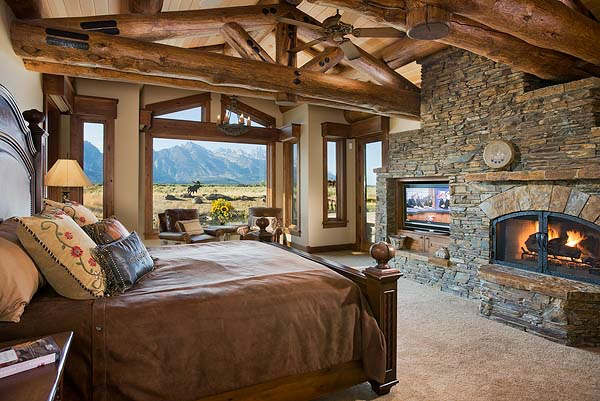 Rustic Bedroom Decorating Idea 22