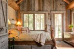 rustic bedroom decorating idea 7