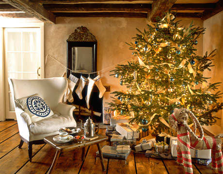 Christmas living room country decorating idea 16