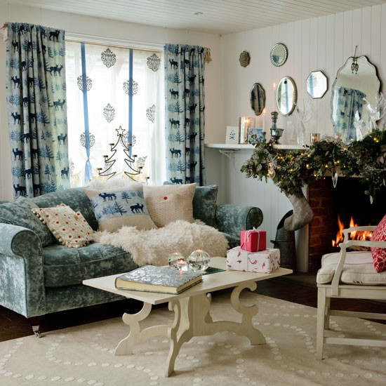Christmas living room country decorating idea 18