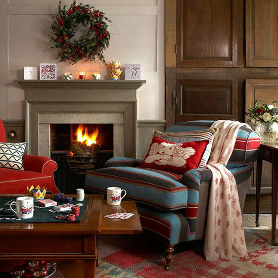 33 best christmas country living room decorating ideas decoholic. Black Bedroom Furniture Sets. Home Design Ideas