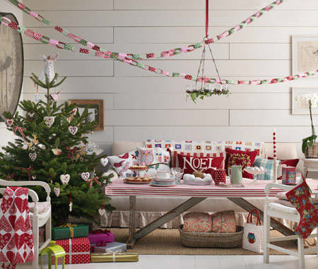 Christmas living room country decorating idea 20