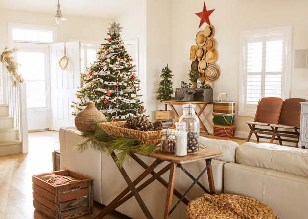 Christmas living room country decorating idea 22