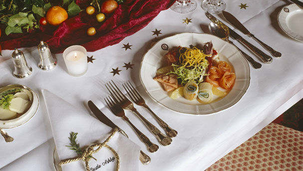 Christmas Table Decoration Ideas 23