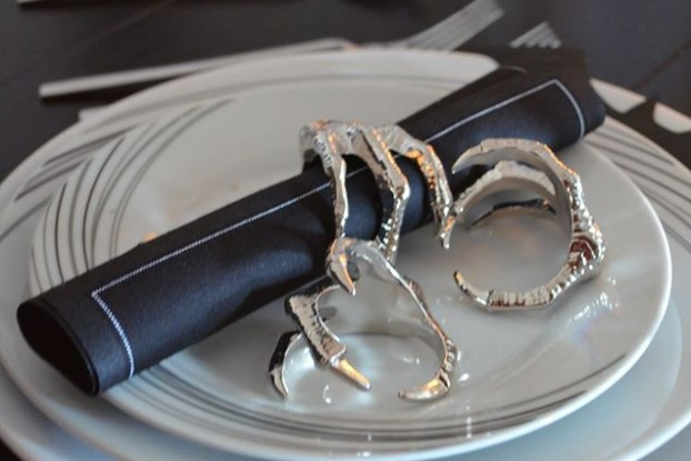 Elegant Halloween Table Decorations napkin rings