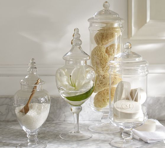 18 ideas to decorate with apothecary jars decoholic for Bathroom apothecary jar ideas