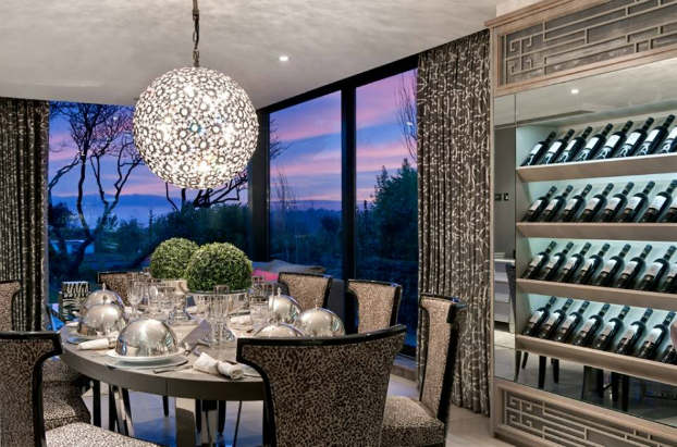 Interior Design With An Unmistakable Touch of Glamour 24