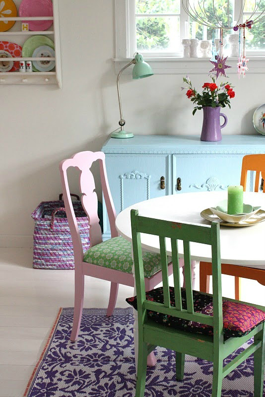 mix and match furniture dining room ideas 2 - Colorful Dining Room Tables