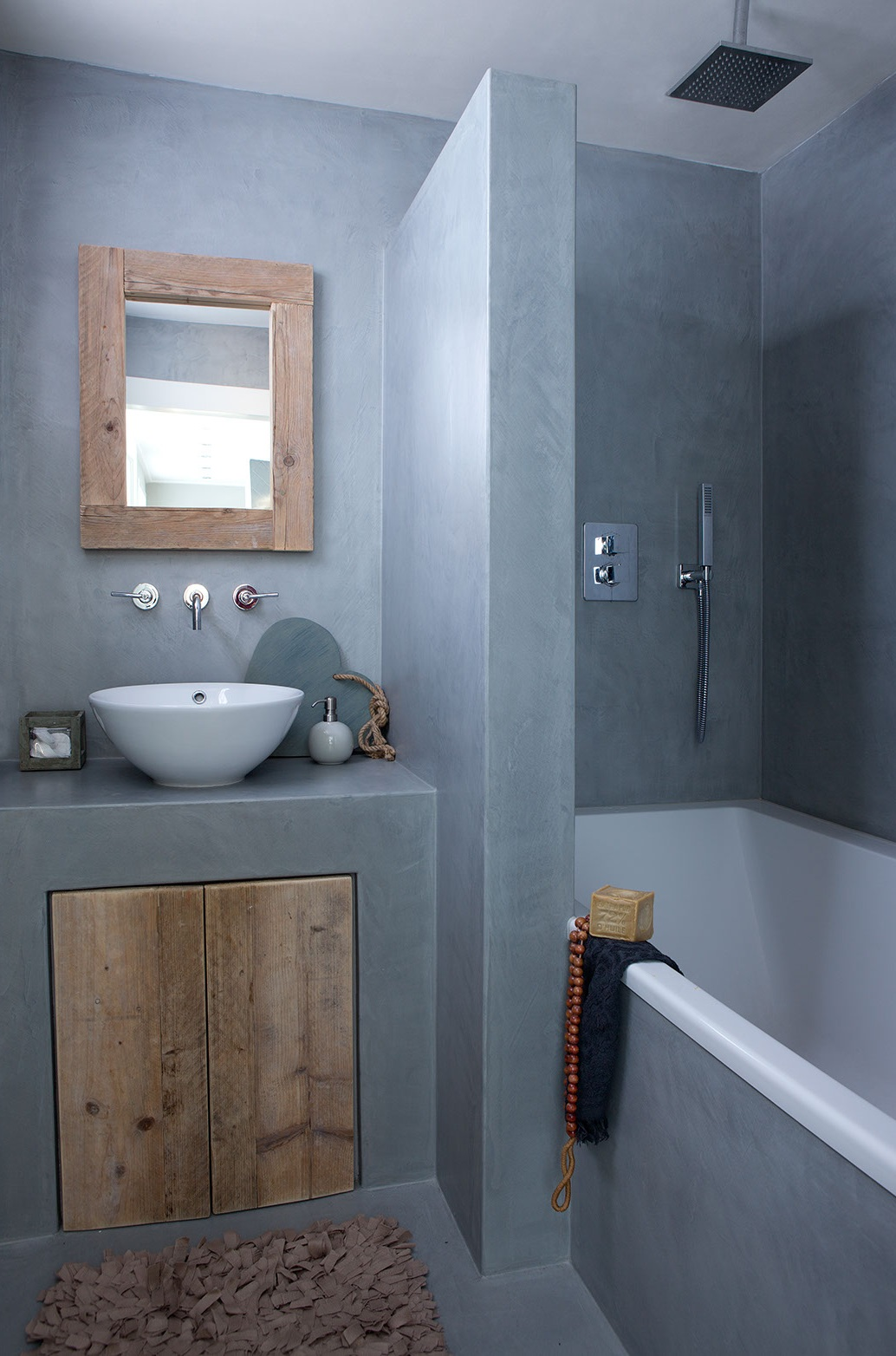 27 tadelakt bathroom design ideas decoholic for Salle de bain carrelage gris et beige