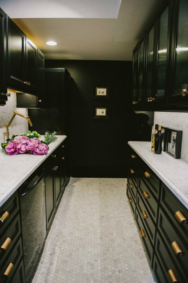 galley kitchen design idea 33