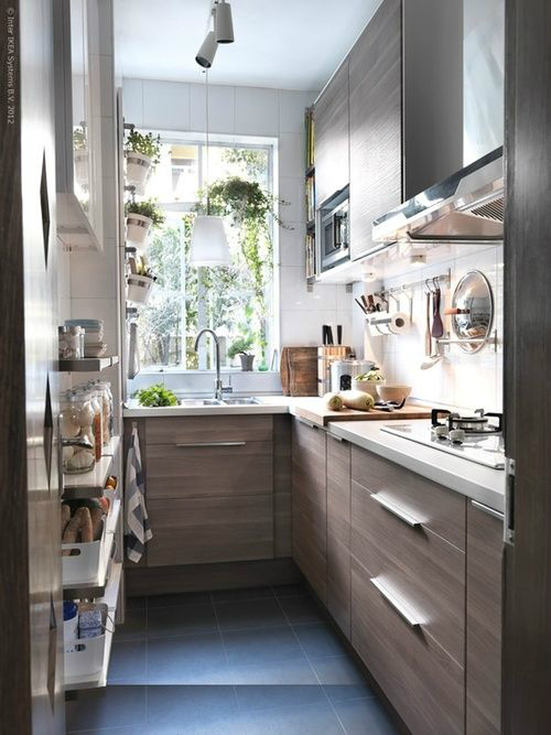 47 best galley kitchen designs decoholic for Small narrow kitchen