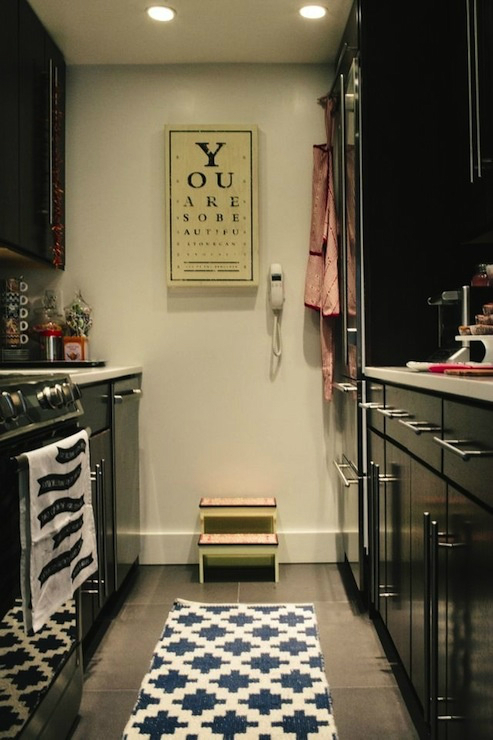 Galley Kitchen Design Idea 36 ...